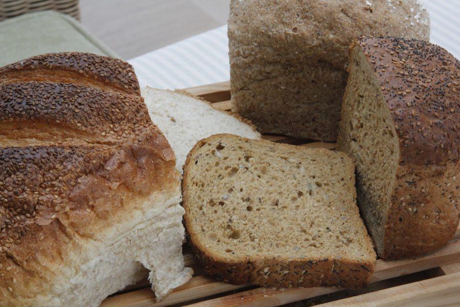 fresh bread breakfast